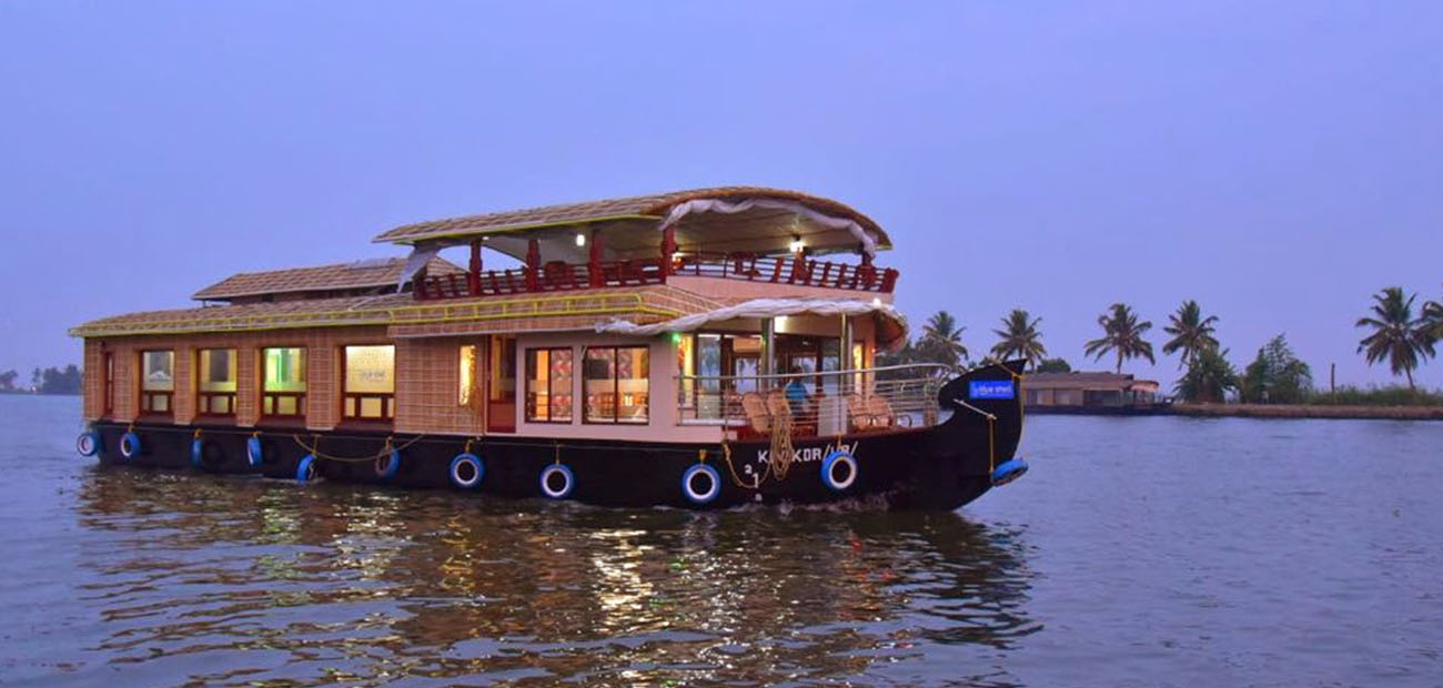 Premium 3 Bed Room alleppey houseboats